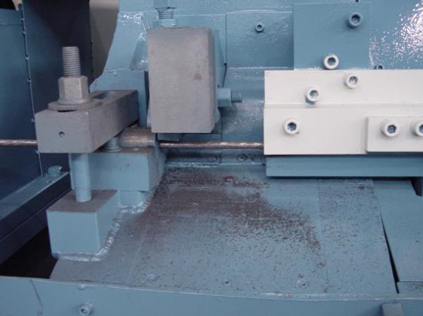 Threaded steel straightening machine