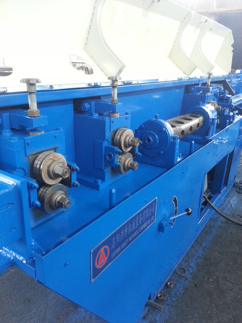 Servo shear steel straightening machine